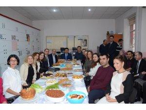Başkan Avcı'dan öğretmenlere erken tebrik ziyareti