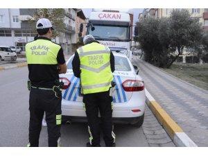 Trafik polisleri Körfez'de denetime başladı