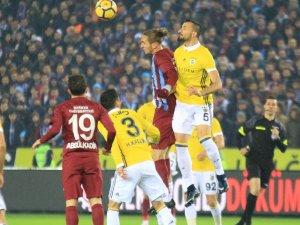 Fenerbahçe, Trabzonspor'a karşı 37-22 üstün