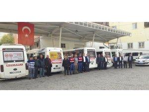 Jandarma toplu taşıma araçlarına trafik uyarı afişleri astı