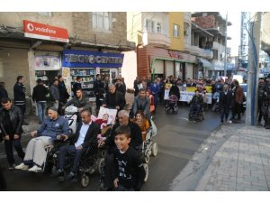 Cizre'de Dünya Engelliler Günü'nde farkındalık yürüyüşü