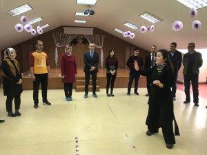 Ağrı Milli Eğitim Müdürü Tekin öğretmenlerle drama oyununa katıldı
