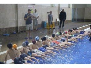 Ağrı'da bin 500 öğrenciye yüzme eğitimi verilecek