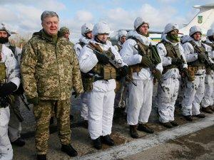 Poroşenko: Rusya sınırındaki asker sayısını artırıyoruz