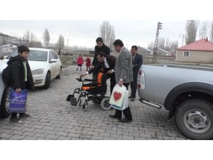 Ağrı'da 7 yıldır yürüyemeyen Ferhat 90 bin lira bulunursa yürüyebilecek