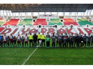 Diyarbakır'da gösteri maçı düzenlendi