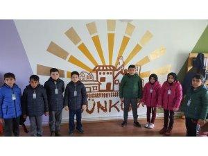 Bilkent Üniversitesi öğrencilerinden Çayırözü'ne kütüphane