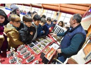 Çanakkale Savaş Malzemeleri Müzesi Kemalpaşa'da açıldı