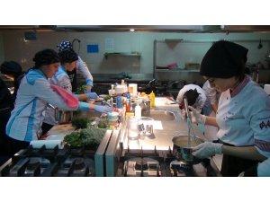 9 ilin öğrencileri en güzel yöresel yemeği yapmak için yarıştı
