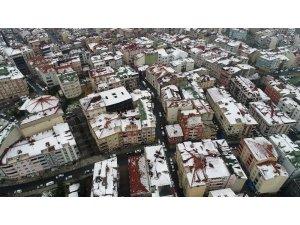 Arnavutköy'de hayran bırakan kar manzarası havadan görüntülendi