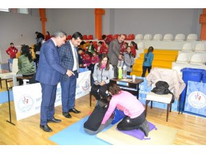 Yıldızbakan, sportif yetenek çalışmalarını inceledi