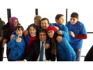 'Mutlu Çarşamba' projesiyle mutluluklarına ortak oldular