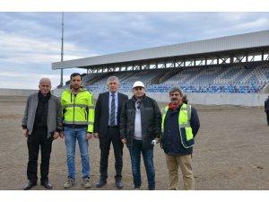 Başkan Sarıalioğlu yeni Of Stadyumu inşaatını inceledi