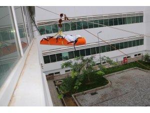 Kepez Devlet Hastanesinde yangın tatbikatı gerçeği aratmadı
