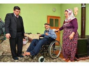 Büyükşehir'den İbrahim dedeye tekerlekli sandalye