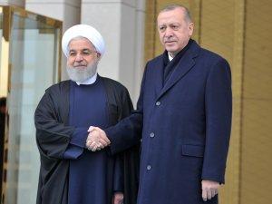 Erdoğan, Ruhani'yi resmi törenle karşıladı
