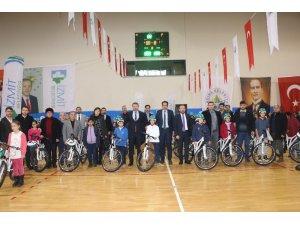 Kandıralı öğrenciler bisikletlerine kavuştu