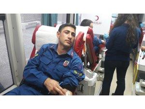 Jandarmadan kan bağışına destek
