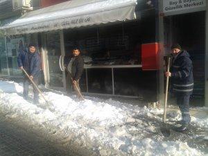 Malkara'da kar kalkıyor