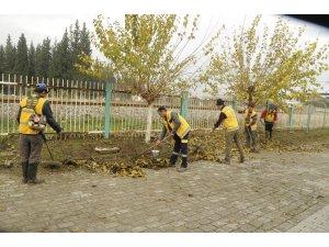 Büyükşehir Umurlu'da temizlik çalışması yaptı