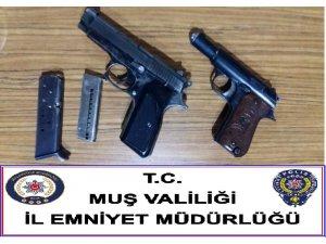 Muş'ta silah kaçakçıları tutuklandı