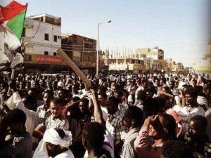 Sudan'da protestocularla polis arasında çatışma
