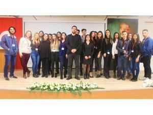 İzmir Kavram MYO öğrencilerine uyuşturucu ile mücadele konferansı