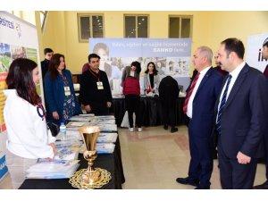 Osmaniye'de Eğitim ve Kariyer Fuarı açıldı