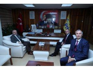 Vali Çakacak PTT Eskişehir Başmüdürlüğü'nü ziyaret etti