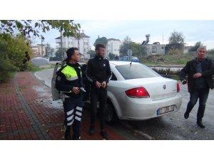 Antalya'da babasının aracıyla drift yaptı, polisten kaçamadı