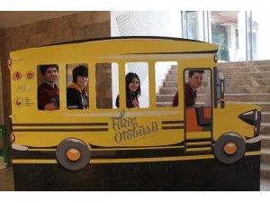 Mersin'de 'Fikir Otobüsü ve Fikir Otobüsü Lise Projesi' tanıtıldı