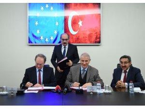 AB ve Türkiye ikinci 3 milyar euroluk paket için imzaları attı