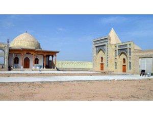 TİKA, Özbekistan'da 2 türbeyi restore edecek