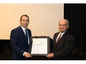 Prof. Dr. Uçan'a 'Toplumsal Katkı Ödülü'