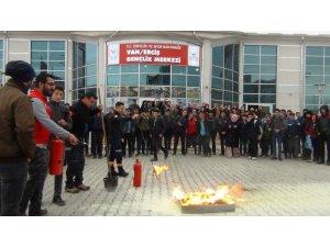 Öğrencilere deprem ve yangın söndürme eğitimi