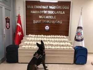 Van'da 2 valiz içerisinde 55 kilo eroin ele geçirildi