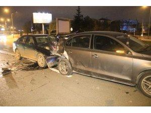 Başkent'te alkollü ve ehliyetsiz sürücü kazaya neden oldu: 2 yaralı