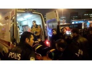 İstanbul'da vatandaşlar yoğun yağış altında yaralılar için seferber oldu