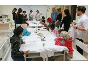 Göçmen çocukların tarifsiz mutluluğu