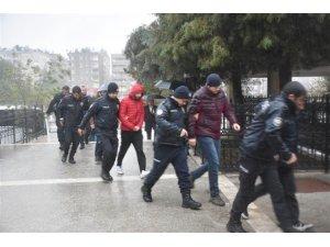 Eş zamanlı FETÖ operasyonuna 15 tutuklama