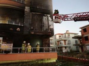 3 katlı binanın iki katı alevlere teslim oldu