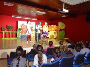 Gebze'de çocuk tiyatrosu sahnelendi
