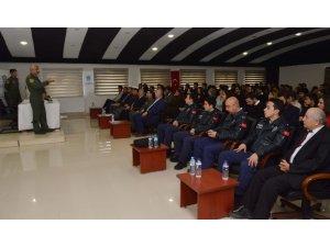 NEÜ'lü gençler 'Kolluk Kuvvetlerinin Havacılık Birimleri' ile ilgili bilgilendirildi