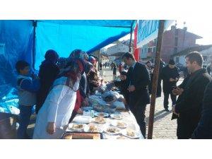 Öğrenciler Yemen için kermes düzenledi