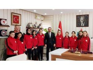 Hentbol Takımı Anadolu Yıldızlar Ligi'ne uğurlandı