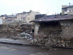 Galer Hamamı kaderine terk edildi