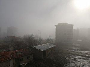 Isparta'da sisli hava ilginç manzaralar oluşturdu