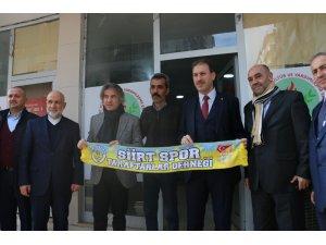 Demircan'a Siirtspor atkısı hediye edildi