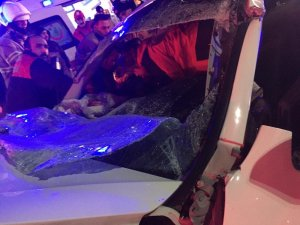 İzmir'de feci kaza: 3 yaralı