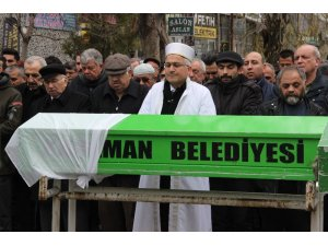 Hollanda'da öldürülen Hümeyra, Karaman'da gözyaşlarıyla uğurlandı